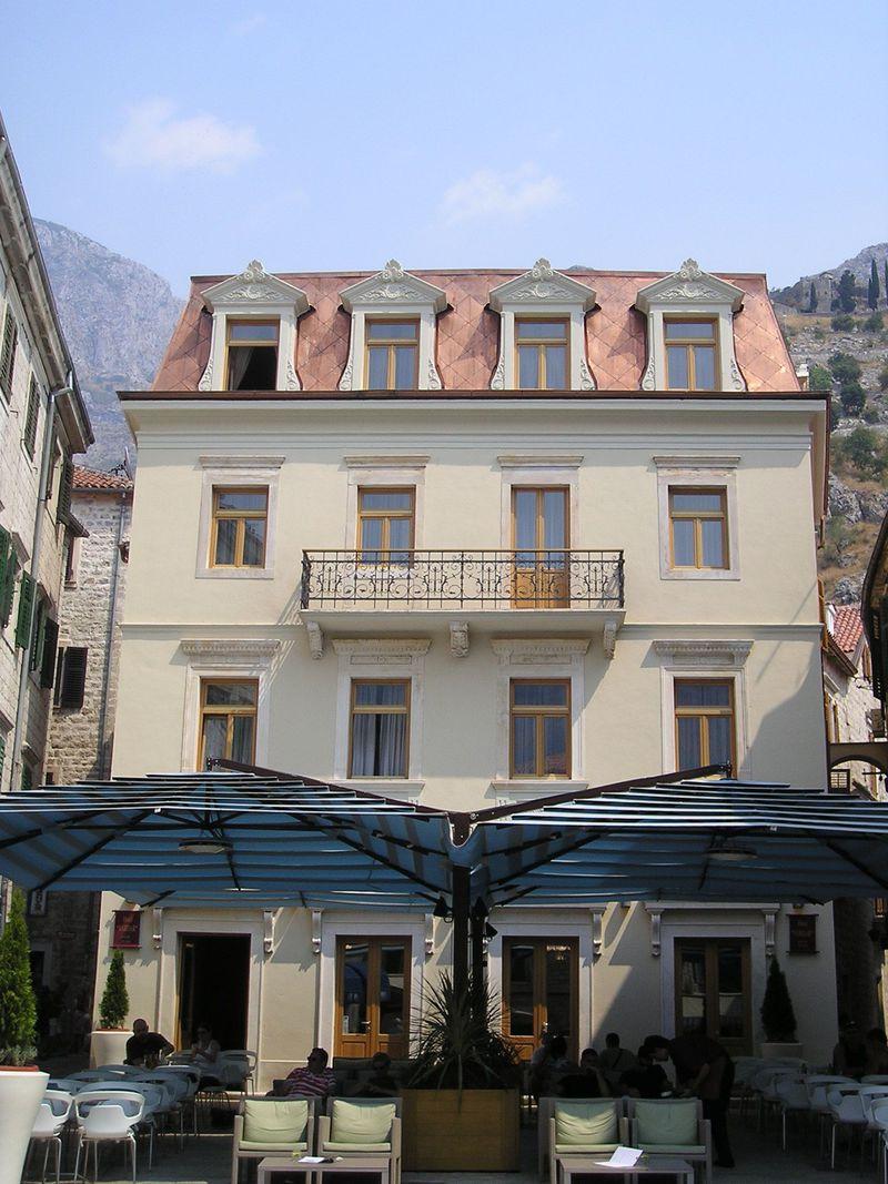 世界遺産コトルのホテル・ヴァルダー!モンテネグロの美しい港町で快適な滞在を!