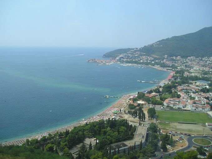 アドリア海の絶景を持つリゾートタウン・ブドヴァ