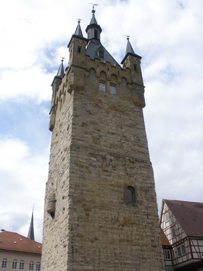 町のシンボル「青の塔」は、最高の展望台!