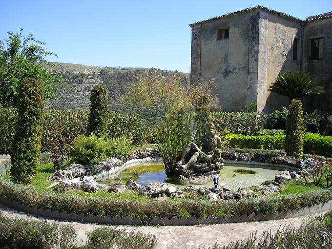 素晴らしい渓谷美を望むイブレオ公園は市民の憩いの場