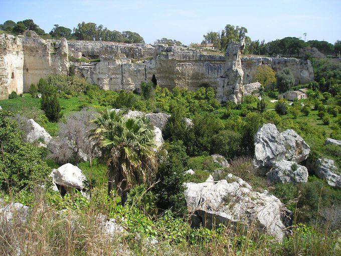 ギリシアおよびローマ時代の発掘地域・ネアポリ考古学公園