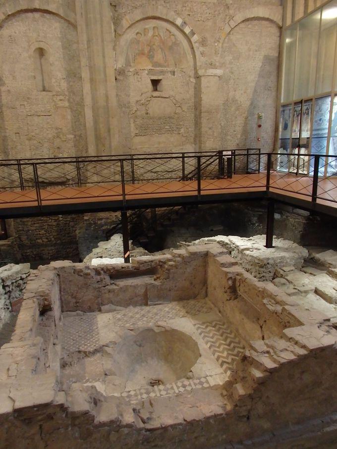 地下に遺跡が眠るサン・ジョヴァンニ教会