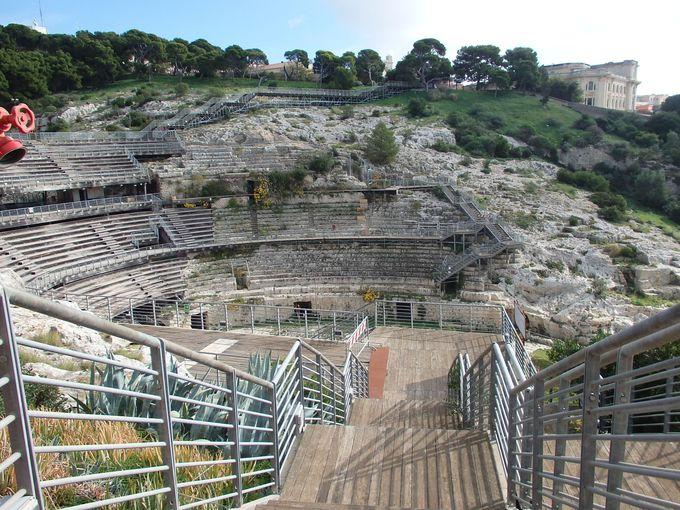 サルデーニャ島で最大の円形闘技場、カリアリにあり!