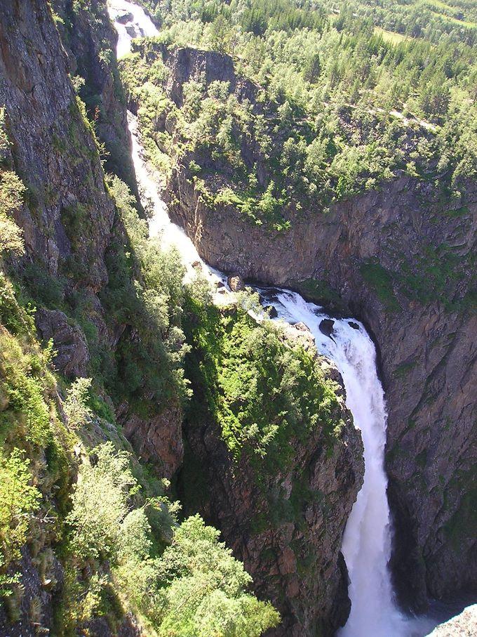 落差182メートルのヴォーリングの滝
