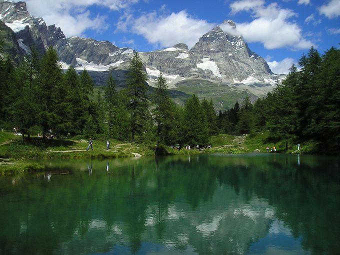 逆さチェルヴィーノの姿を見にラーゴ・ブルーへハイキング