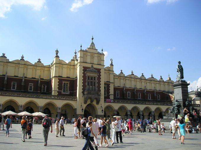 ルネッサンス様式の織物会館