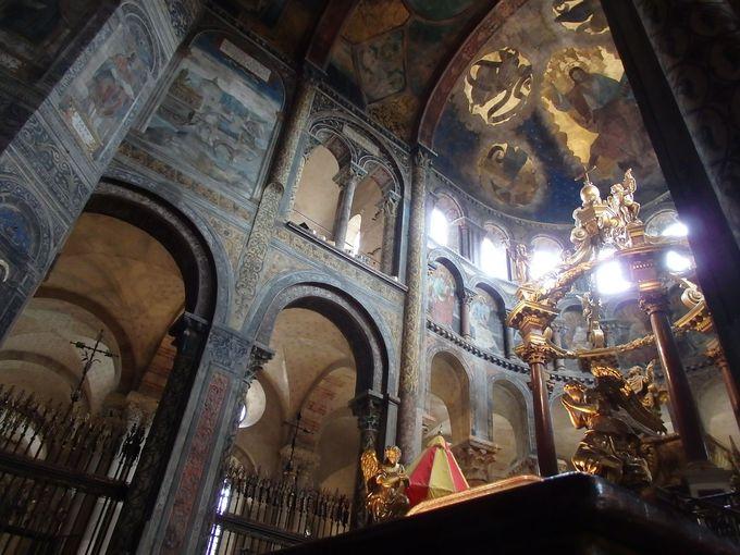 フランス最大のロマネスク教会「サン・セルナン・バジリカ聖堂」