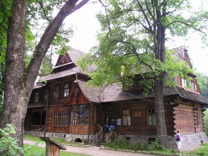 タトラ博物館別館としての「ザコパネ・スタイル博物館(ヴィラ・コリバ)」