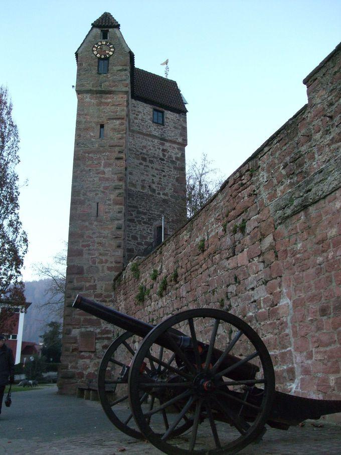 中世の防衛施設「プルファー塔」