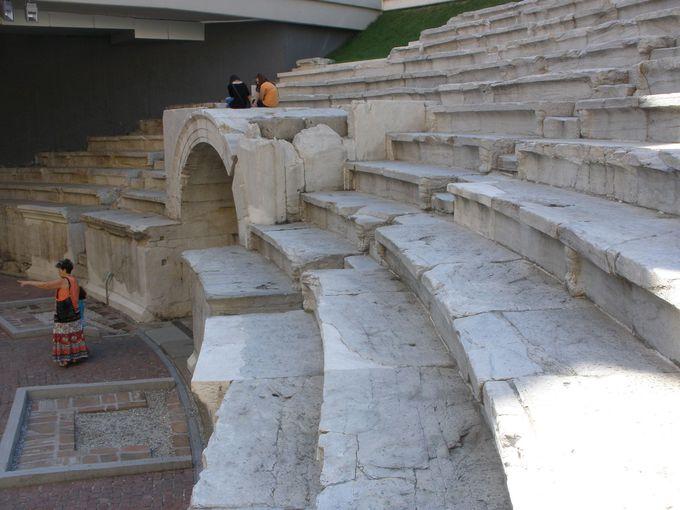 ラムスキ・スタディオン広場地下に残るのは、ローマの競技場跡