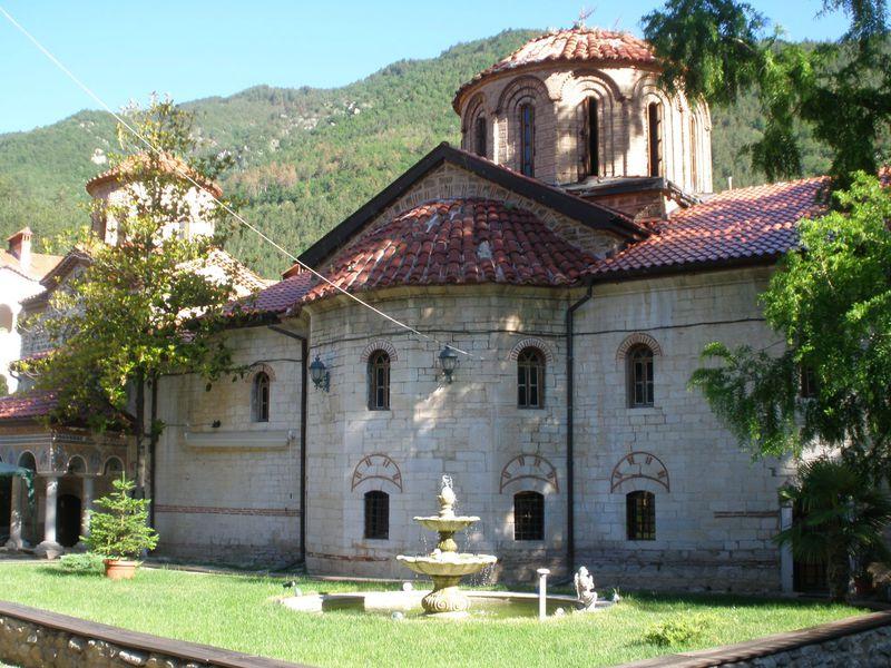 見事な建築美と芸術性!「バチコヴォ僧院」はブルガリアの世界遺産