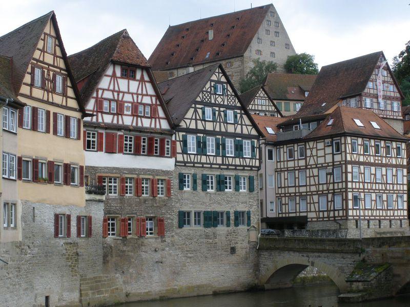 塩と銀貨鋳造で繁栄した木組み建築が素晴らしい町、ドイツ「シュヴェービッシュ・ハル」