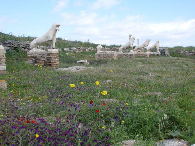 神話のディロス島は、自然と遺跡群の宝庫