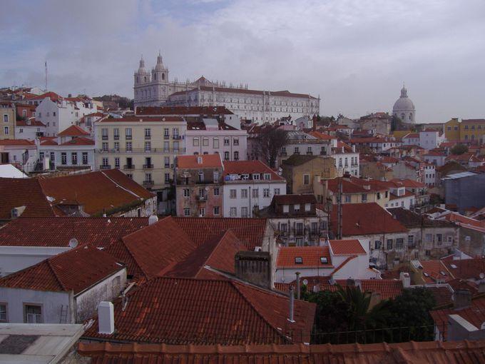 リスボンの最も古い町並みが残るアルファマ地区