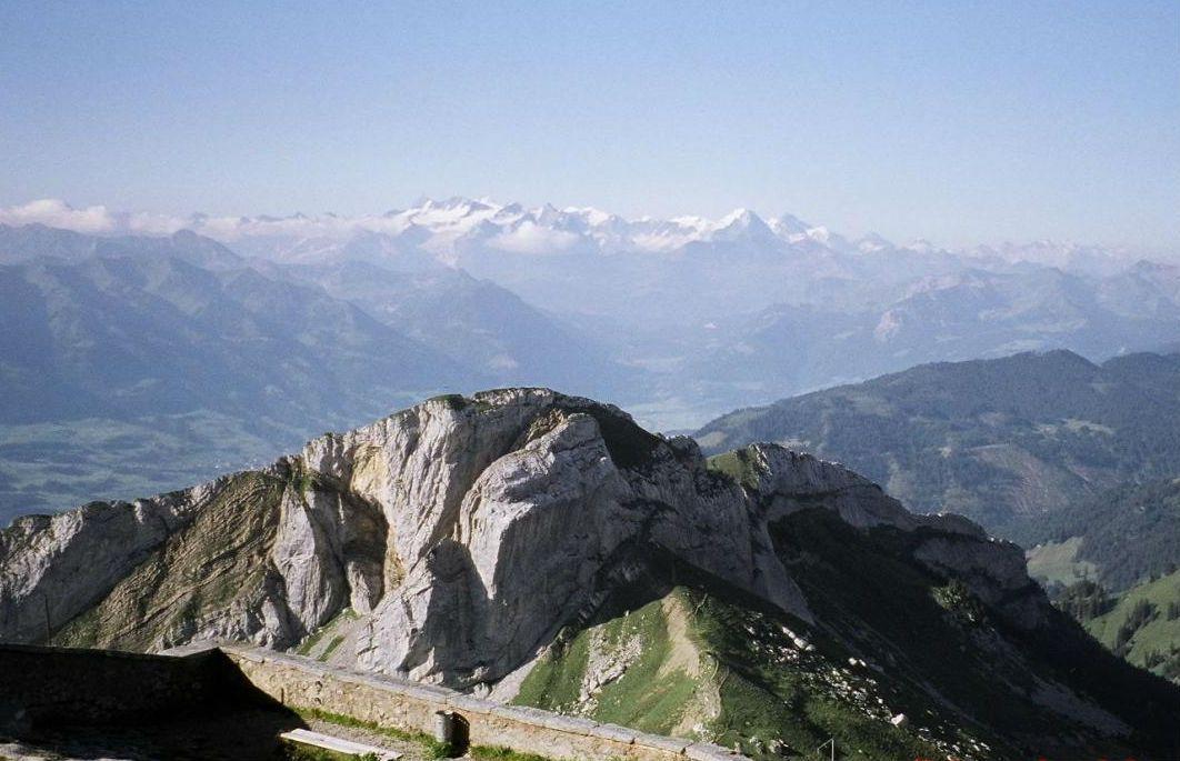 山頂からは360度のパノラマ風景