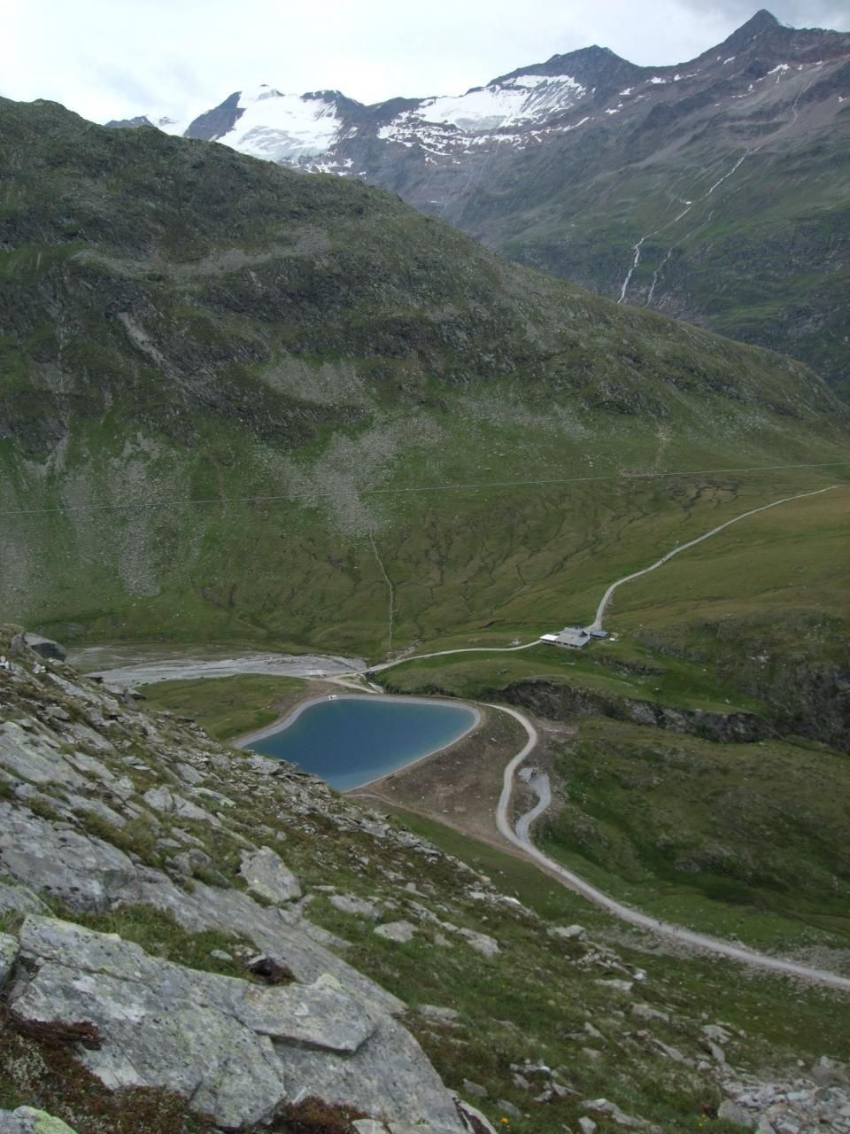 二つの雄大な氷河を楽しめるホーエ・ムート展望台