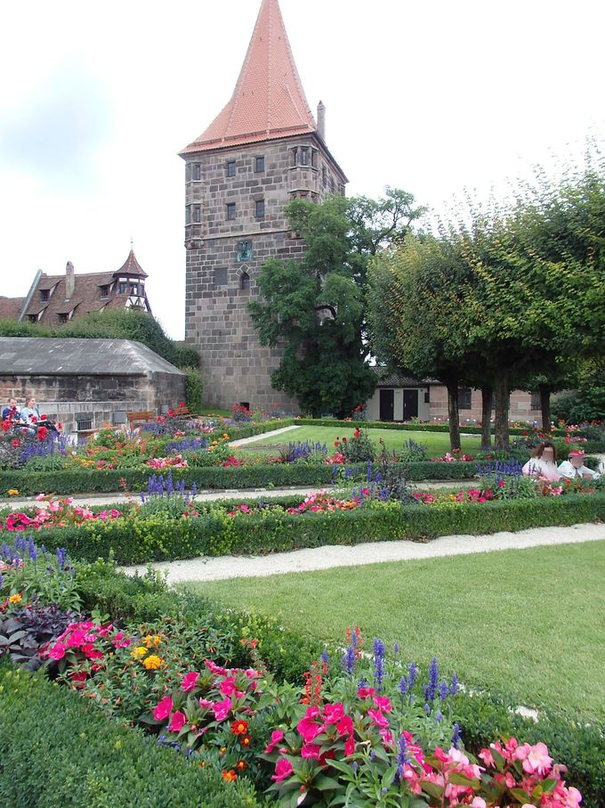 美しく手入れされた庭園