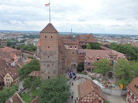 見事に復元!岩山に聳える古城「カイザーブルク」とニュルンベルクの眺望