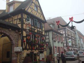 仏・アルザス地方「テュルクアイム」木組みとコウノトリとクリスマス風景