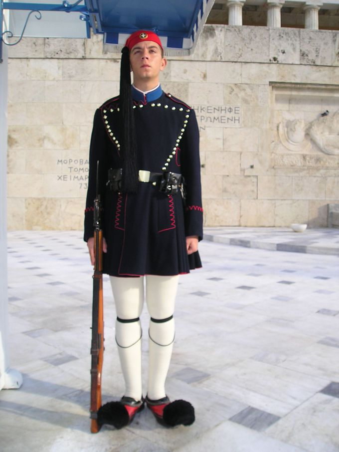 無名戦士の墓を守る衛兵のミニ交代式も!