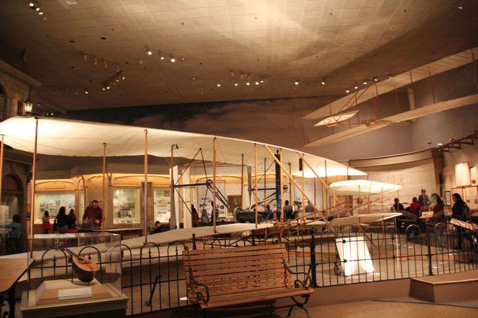 ずらりとならぶスペースシャトルが圧巻!航空宇宙博物館
