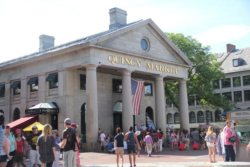 ボストン名物大集合!クインシーマーケットのフードコート