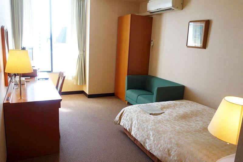 観光都市・横浜の最高立地でお得な公共ホテル「エスカル横浜」