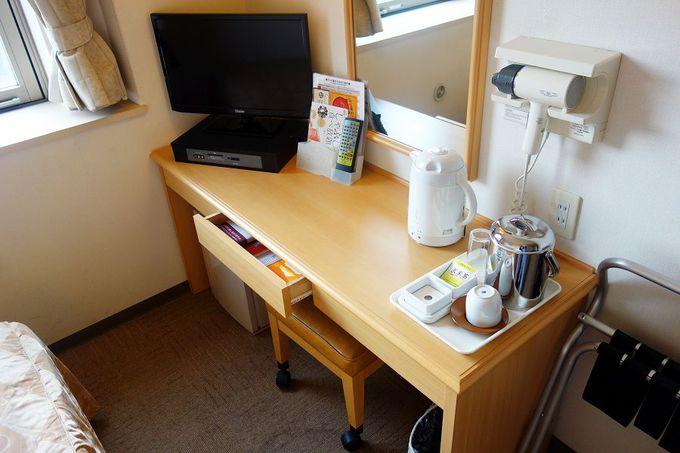 シンプルで機能的な客室