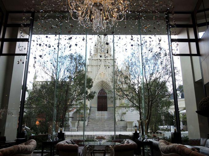 豪華で華やかなホテル