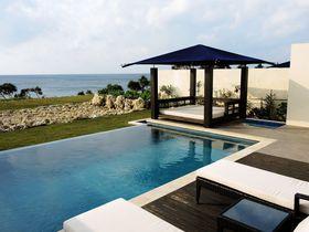 沖縄・伊良部島の全8棟プール付ヴィラ「紺碧 ザ・ヴィラオールスイート」はプライベートリゾート!|沖縄県|トラベルjp<たびねす>