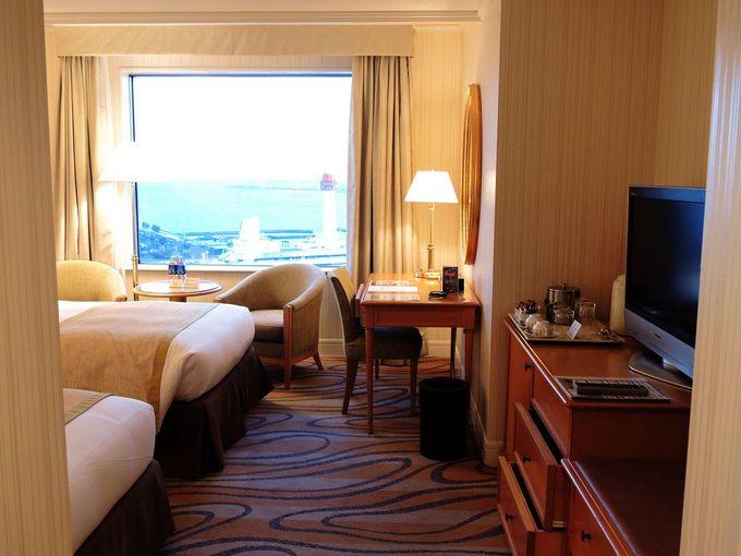 眺望が楽しめる客室は高い質感に余裕ある面積