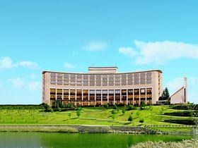 大阪・神戸からも便利!カーブ描く美しい外観の「三田ホテル」は充実グルメのホテル|兵庫県|トラベルjp<たびねす>