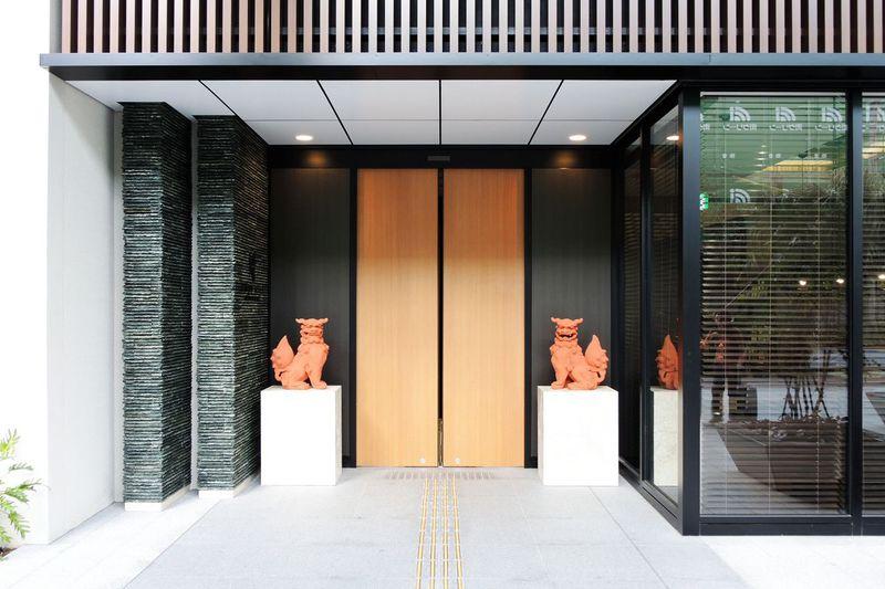 リゾートを感じるビジネスホテル「アルモントホテル那覇県庁前」で沖縄気分を満喫!