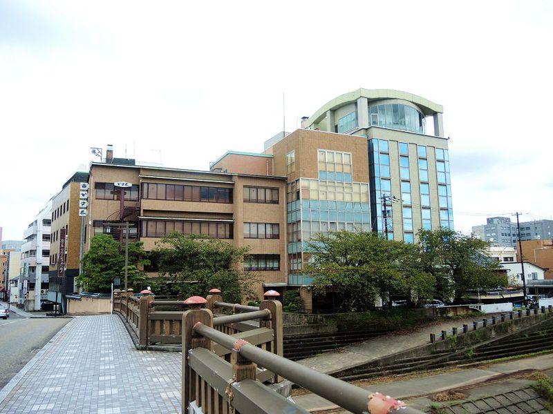 福井の歴史有る街に佇み美しい川を望む「ホテル リバージュ アケボノ」