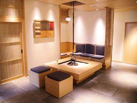 寿司とBar2つのカウンター!?東京「ホテルバー グランティオス別邸」|東京都|トラベルjp<たびねす>
