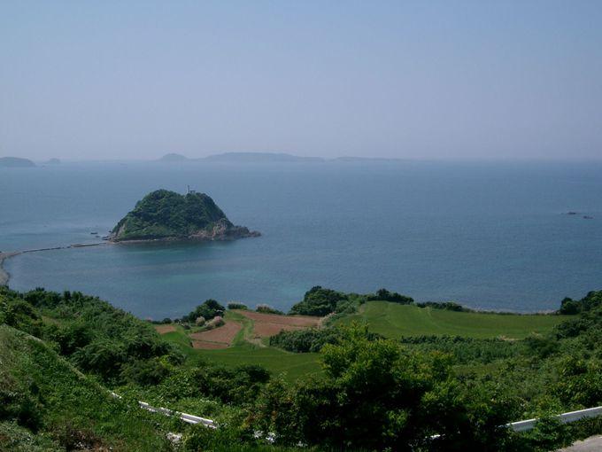 天然記念物・俵島は、角島の絶好ビューポイント