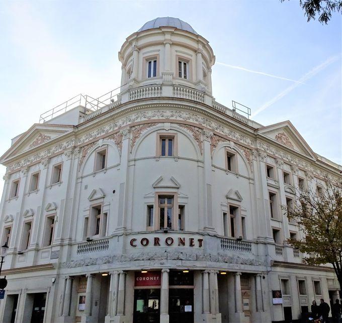 映画のシーンで使われた映画館「コロネ シネマ」