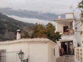 村全体がパワースポット!煙突姿が可愛いスペイン「アルプハラ」