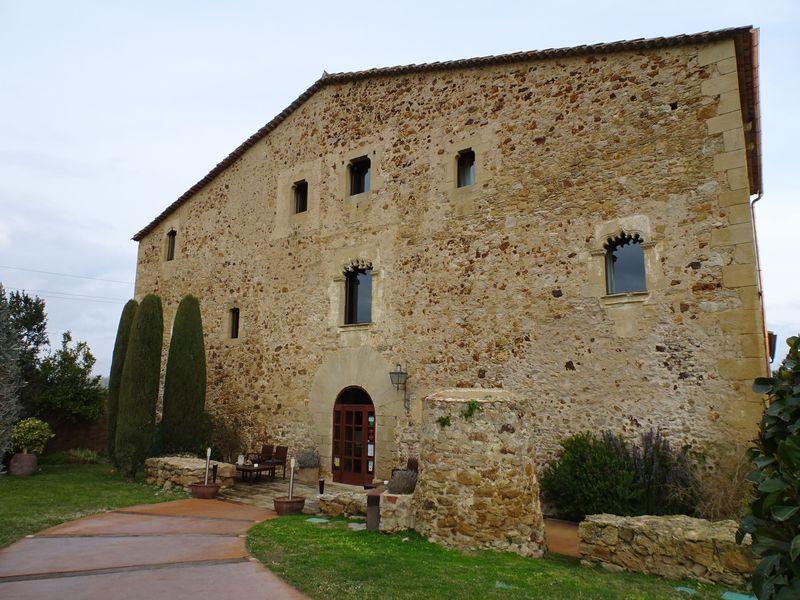 スペインの美食ホテル「エス ポルタル」でお城のようなお部屋にステイ!