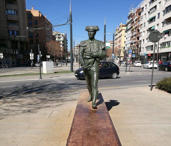 絶対に外せない!「スペインらしい」銅像