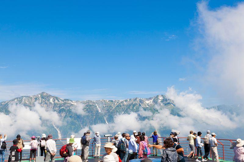 マイカーNGの絶景ルートをバスで制覇!北アルプスの大自然&温泉&グルメを堪能する信州・奥飛騨ツアー