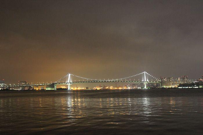 (4)豊海水産埠頭 車内からレインボーブリッジを楽しめる貴重なスポット。