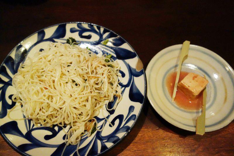 沖縄料理定番の旨みたっぷりの豆腐ようと出汁が効いてるシンプルで美味のそうめんちゃんぷる