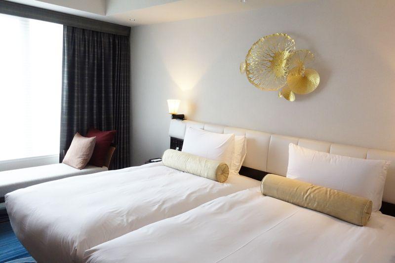 「沖縄の風と水を感じる」をコンセプトにした清潔感溢れる洗練された客室