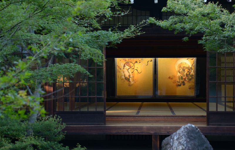 風神雷神に巨大な龍!京都最古の禅寺「建仁寺」で堪能する日本文化の煌き