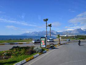 トルコの人気リゾート!地中海の「クラウンプラザホテル アンタルヤ」