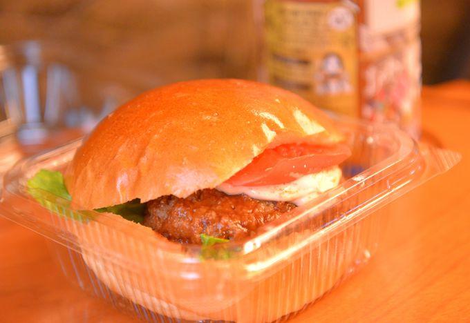 明太子の味をバーガーで味わうなら、これ!「明太バーガー」