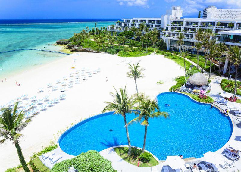 天然の月の浜にラグーンプール!沖縄「ホテルムーンビーチ」