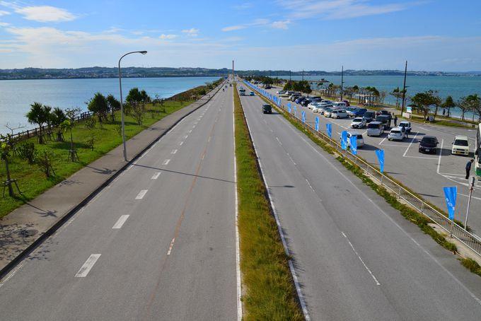 海中道路を爽快にドライブ!海の駅「あやはし館」で潮風に吹かれる