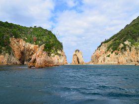 大波小波かきわけて!山口県・青海島観光ならクルーズ船に乗ろう